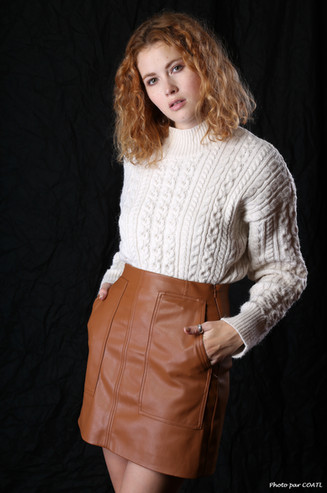 Heidi Romanova et sa petite laine