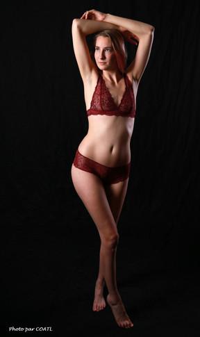 Sofie, lingerie bordeaux