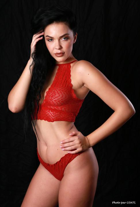 Olga-Maria Veide, rouge transparence