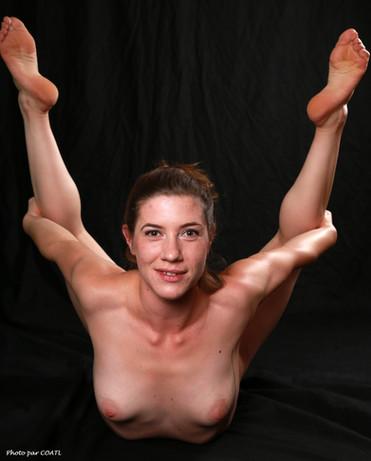 Gabrielle, contorsionniste en action