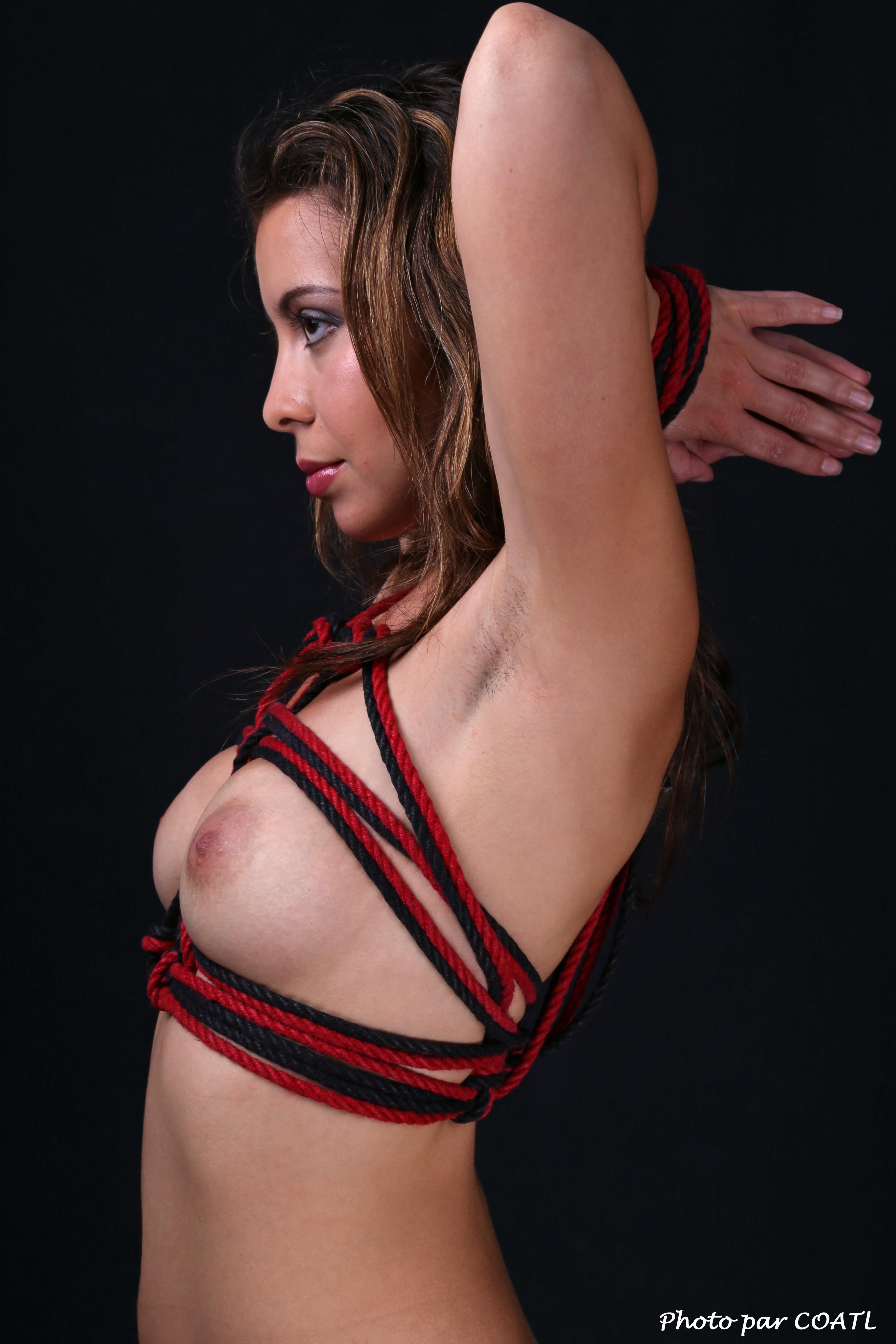 Aspasie en rouge & noir 3