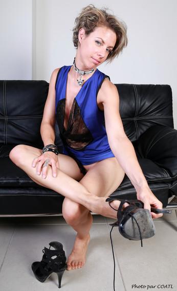 Eva en bleu-noir
