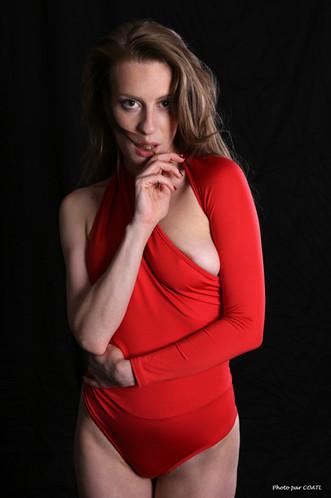 Sloane en rouge