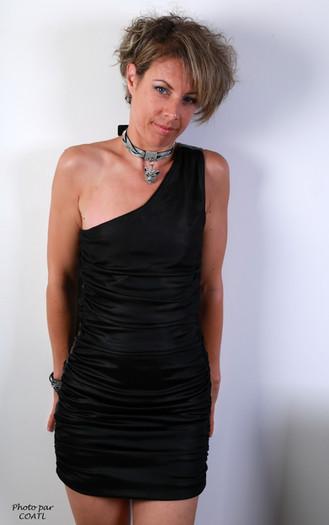 Eva en noir et argenté