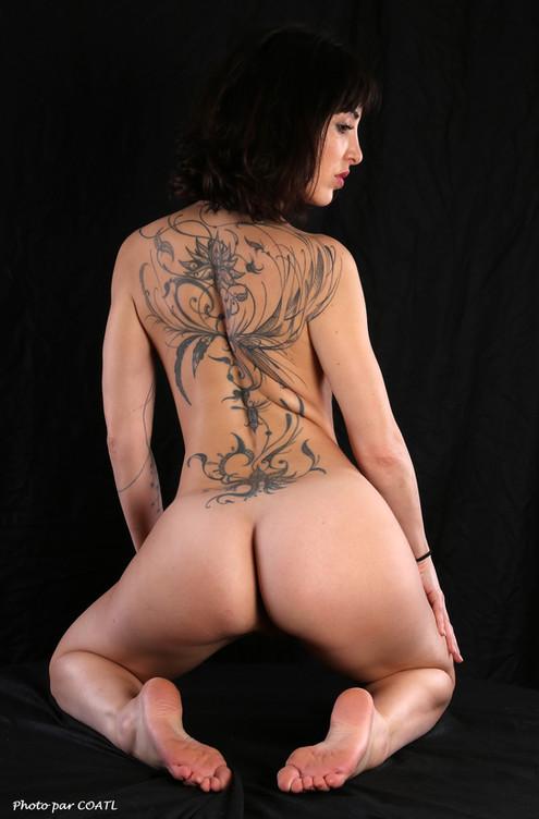Lily nue