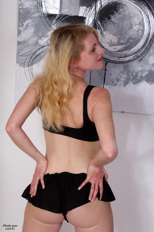 Jennifer Schmidt en noir