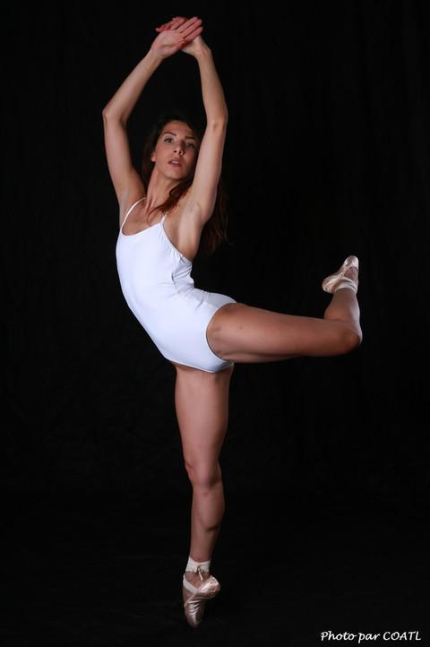 Giuram, danseuse étoile