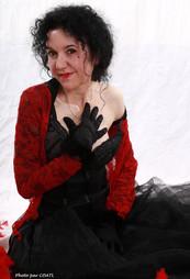 Azylise en rouge et noir