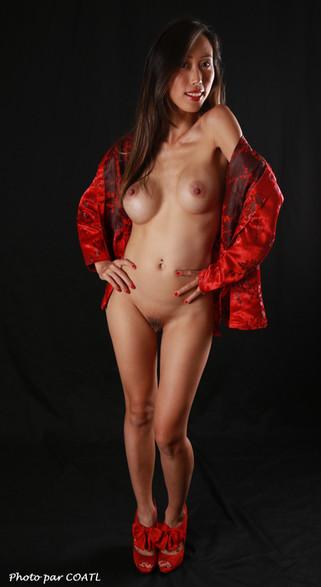Mika en rouge