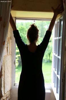 Mélinda à la fenêtre