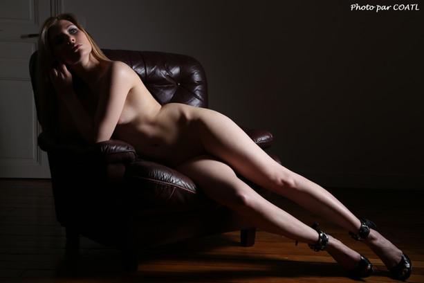 Vanessa sur le divan 3