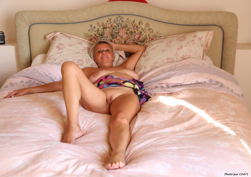 Elena au lit