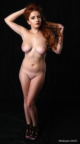 Nikolet, beauté nue
