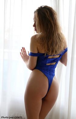 Naomie de bleu dévêtue 5