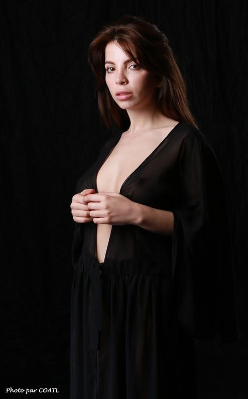 Karina, transparence noire