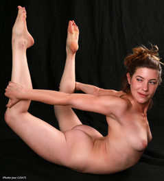 Gabrielle, contorsionniste en action