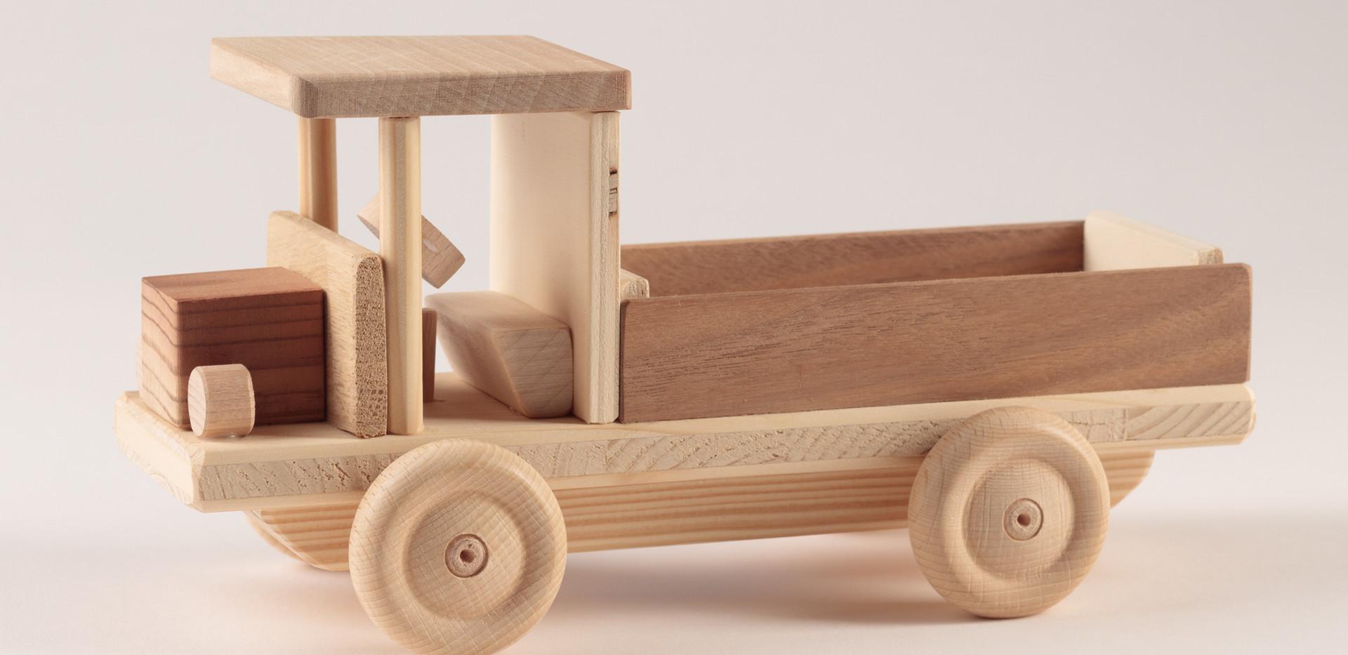 Holzspielzeug 1.jpg