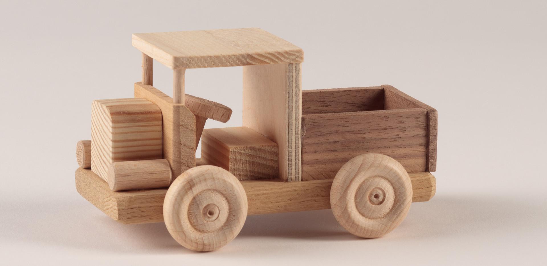 Holzspielzeug 3.jpg