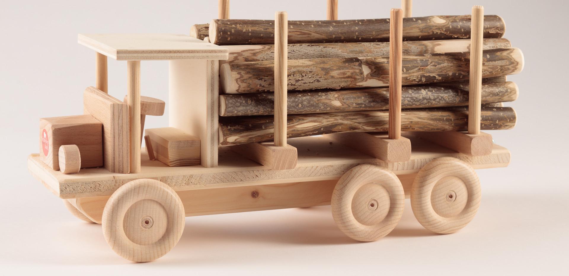Holzspielzeug 2.jpg