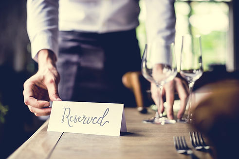 Elegant Restaurant Table Setting Service