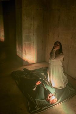 Juliet drinks the poison