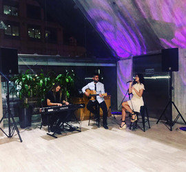 XO Duo performing at the Young Australian Dentist Conference.  Sydney acoustic duo - corporate event.