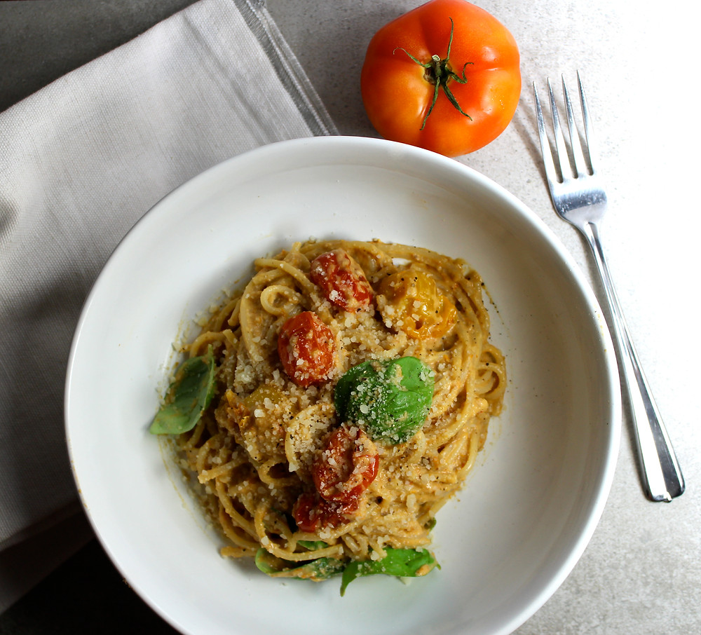 Spaghetti with Tomato and Walnut Pesto