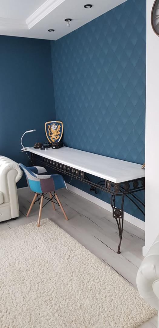 Кованый письменный стол