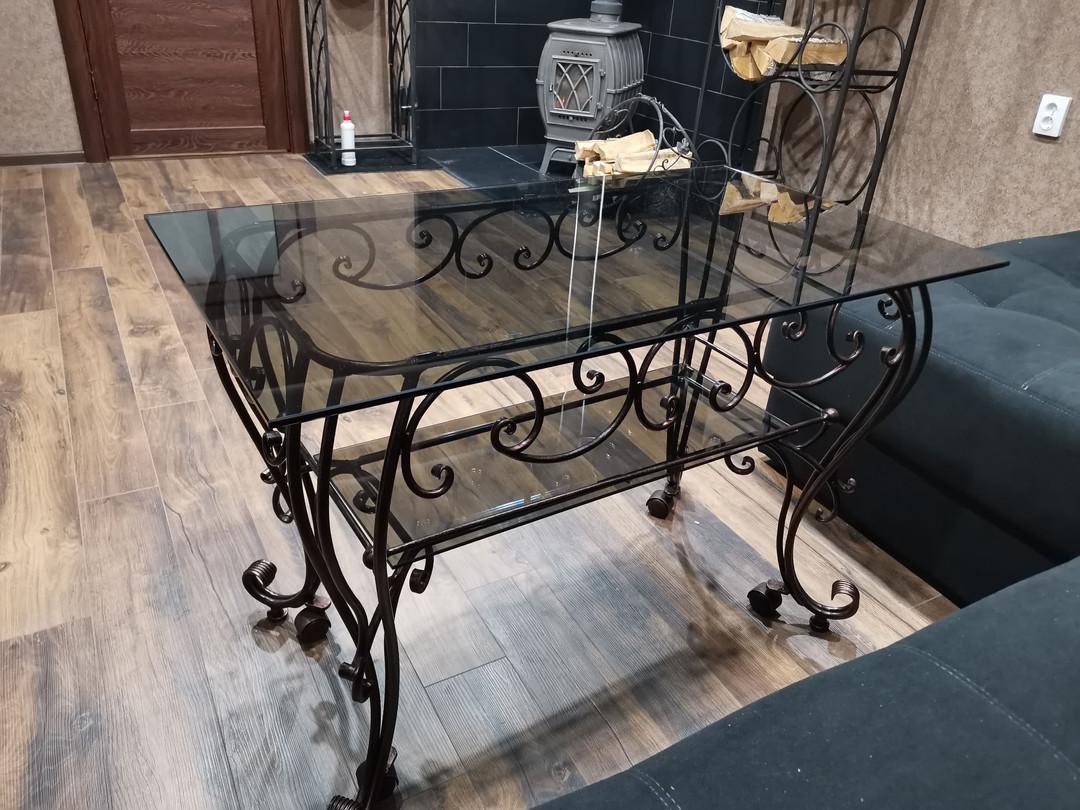 стол с стеклянной столешницей, патина - медь