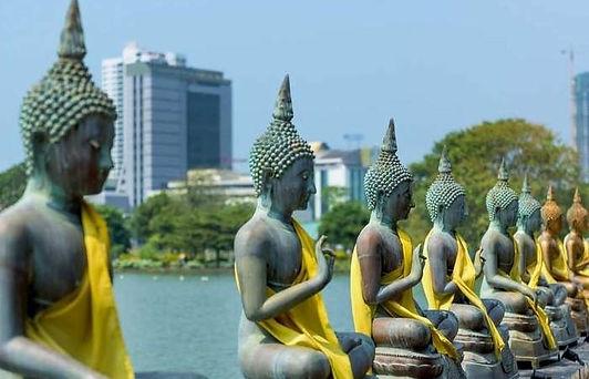 Buddastatuer i Colombo.jpg