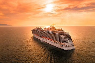 Skib i solnedgang.jpg