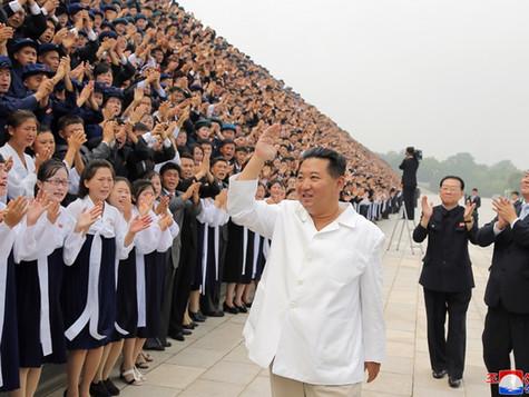 Mensagem de felicitação do estimado camarada Kim Jong Un aos jovens voluntários