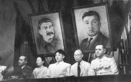 Kim Il Sung e Kim Jong Il falam sobre Stalin