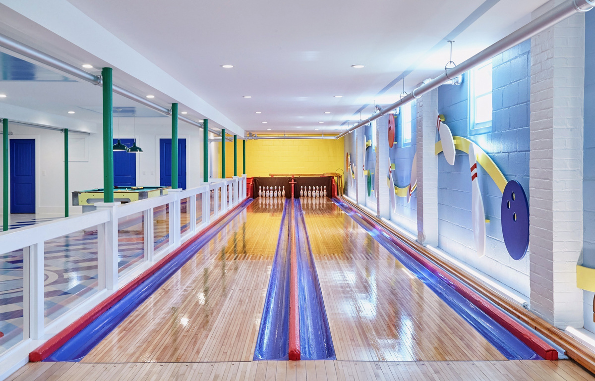 Bowling Alley for Save the date-A-sm