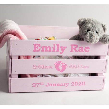 Newborn keepsake crates and capturing those precious newborn memories...