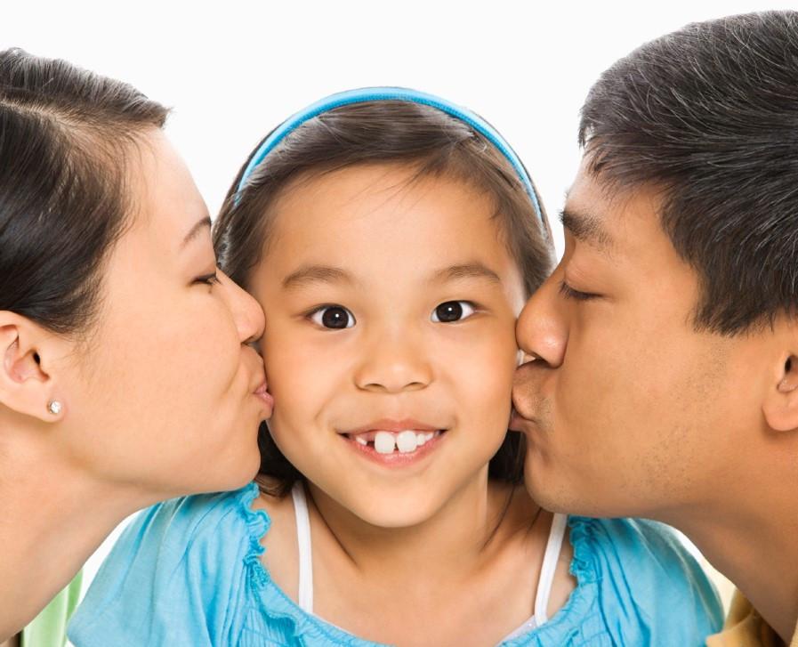parents| mom| dad| daughter.jpg