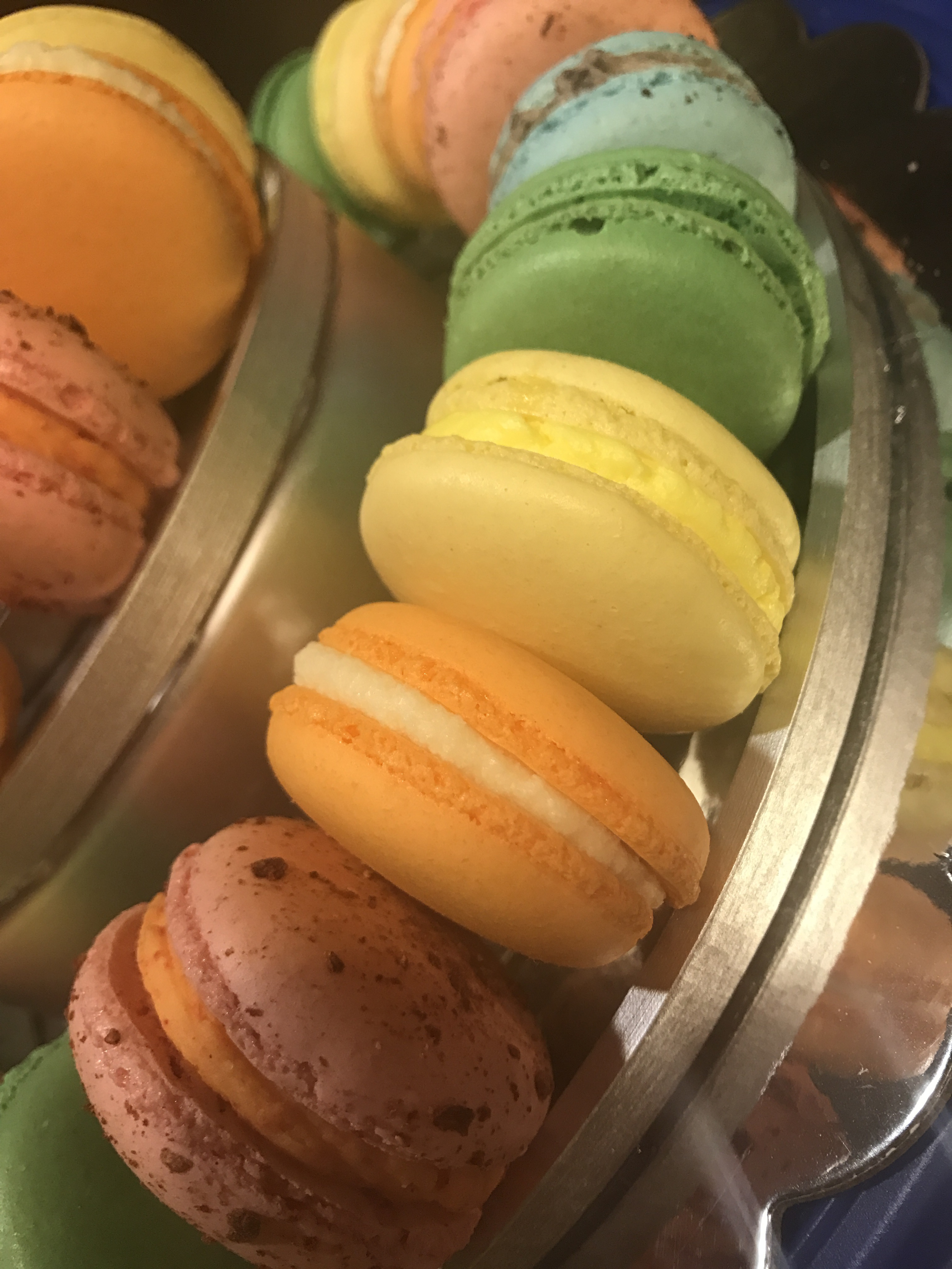 Macaron classic rainbow