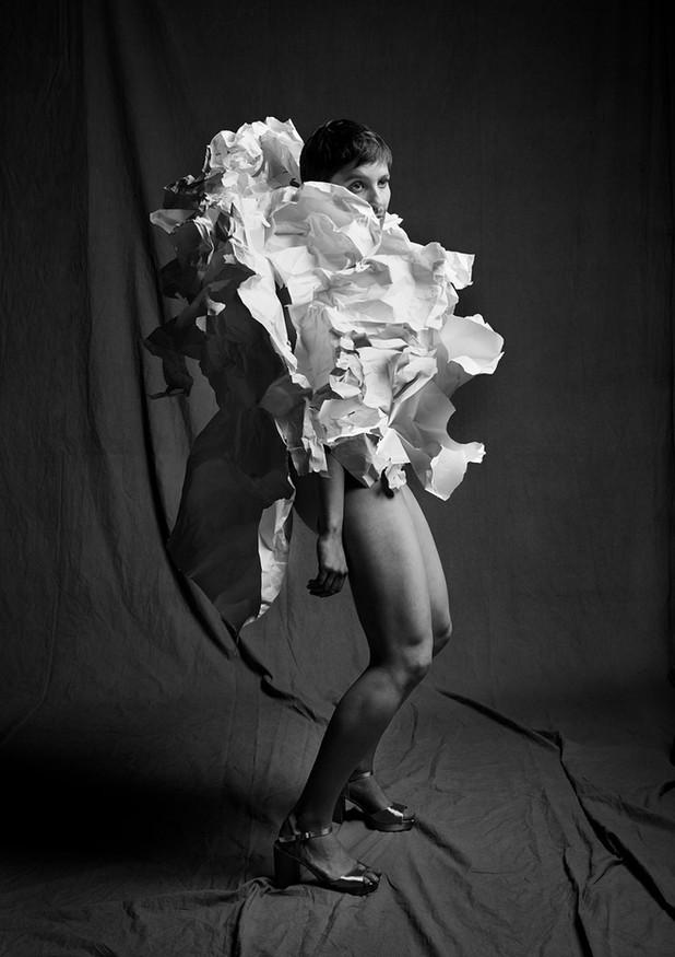Annabel in paper © Diederick Bulstra