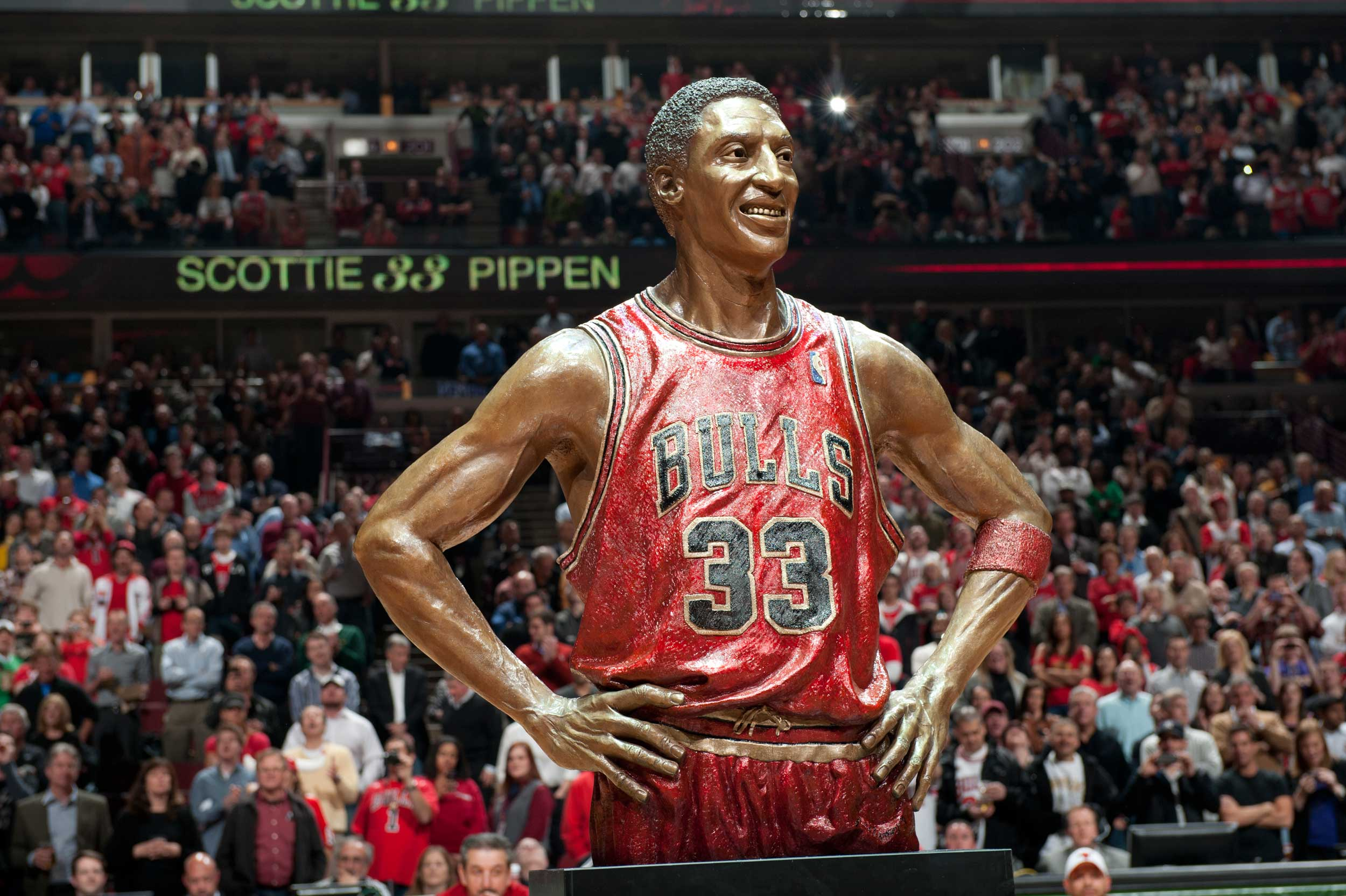 Scottie Pippen Statue