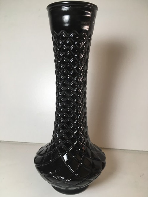 diamond detailed vase