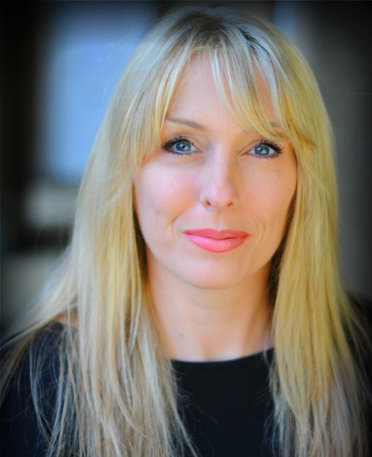 NINA JONES - Principal / Artistic Director