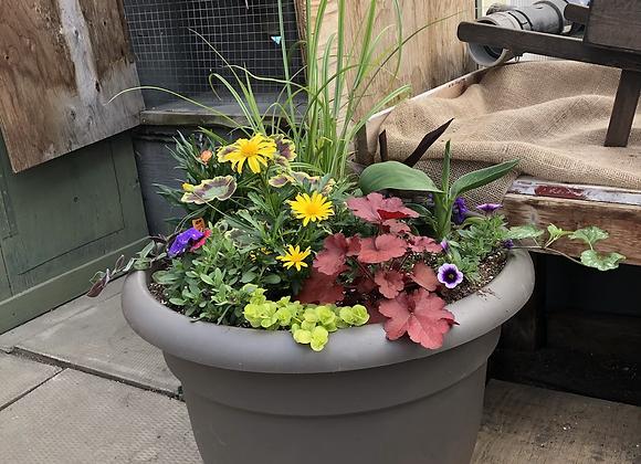 Large round planter Pl0001