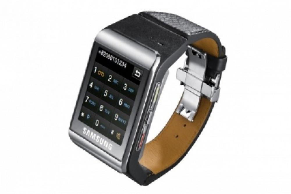 Evolution of Smartwatch - Samsung S9110 (Year: 2009)