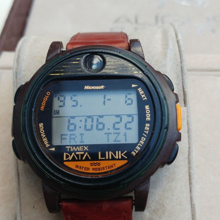 Evolution of Smartwatch - Timex Datalink  (Year: 1994)