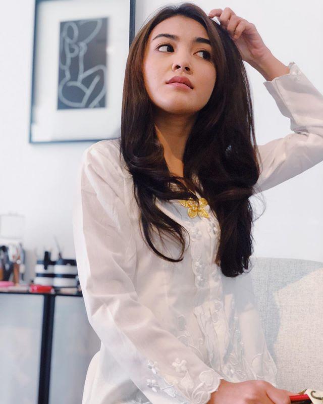 The young & pretty ambassador of _mynano