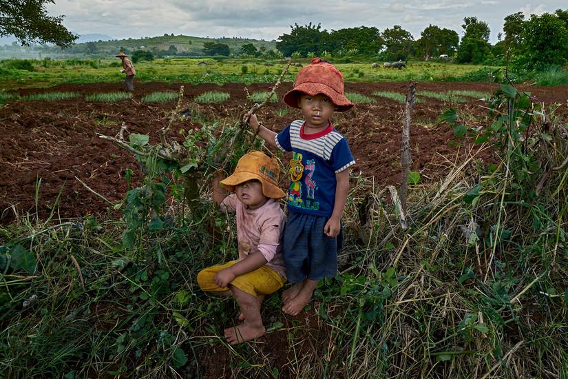 Burmese kids, Pindaya, Myanmar