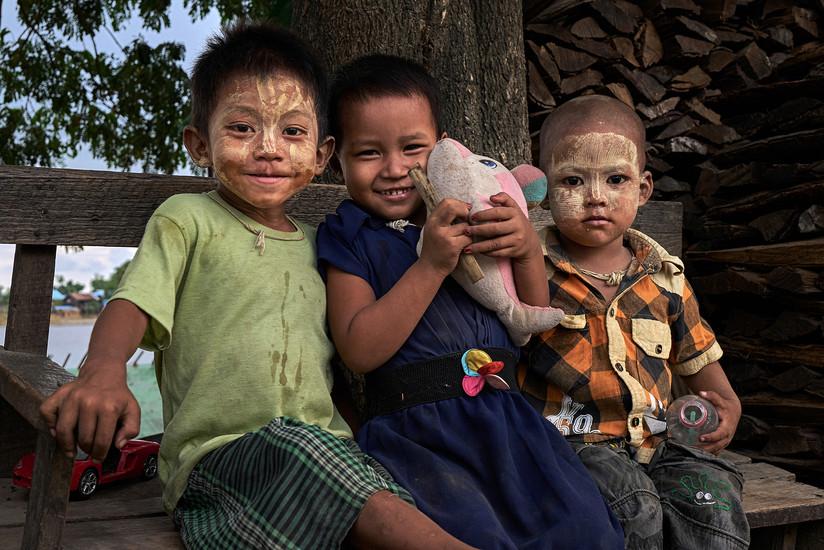 The Burmese kids