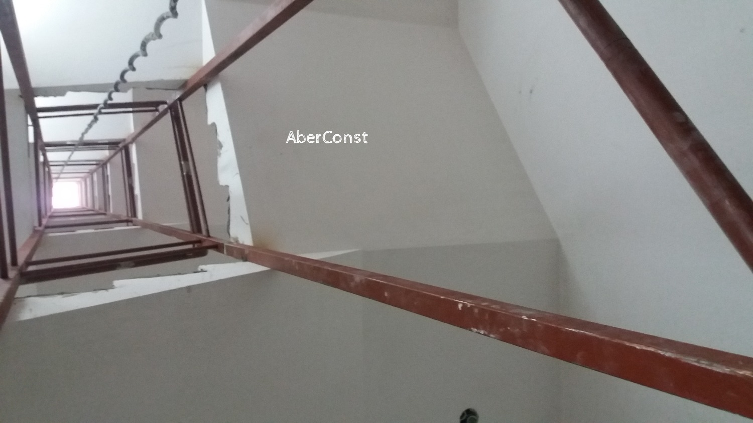 BARANDA ESCALERA CONTINUA
