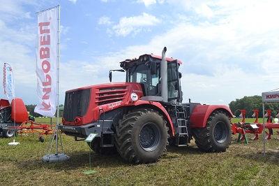 Фото рынка тракторной техники