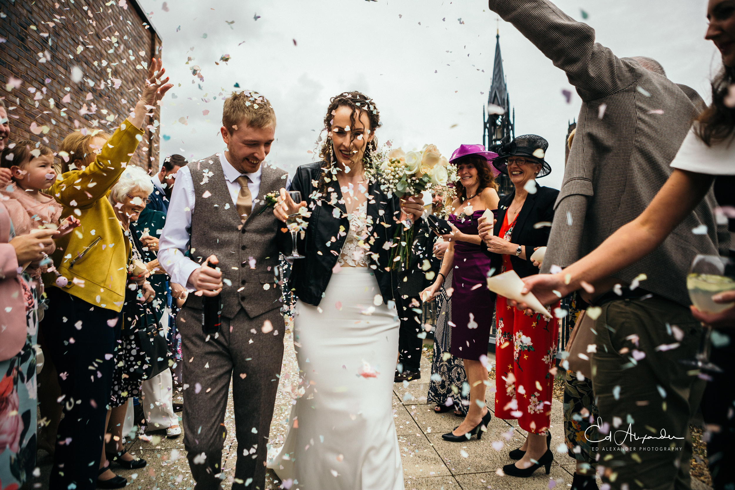 liverpool wedding photography confetti siren
